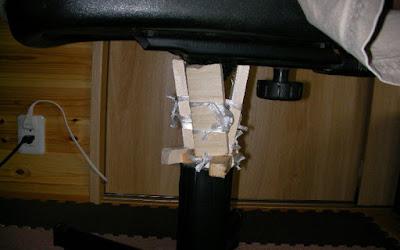 ガスシリンダーレバー式椅子を自分で修理し終わった画像