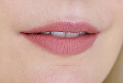 Charlotte Tilbury - Lip Cheat (Pillow Talk)