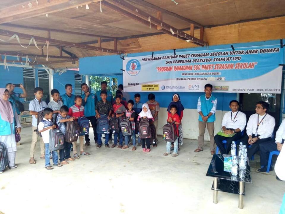 Gerakan 500 Paket Seragam Sekolah Khusus Anak Dhuafa