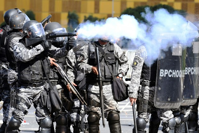 #Corruption : Brazilian soldiers deployed against protesters who demand the exit of President Michel Temer