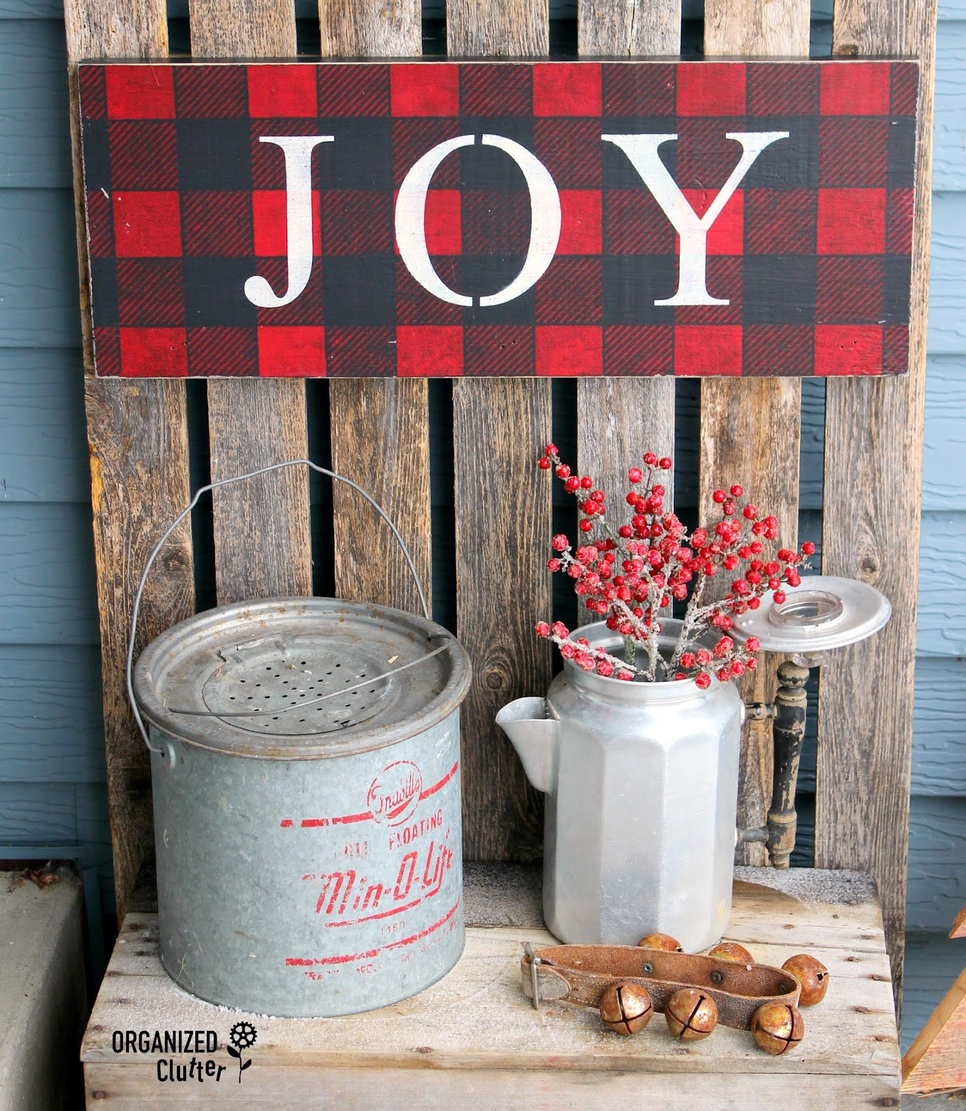 2018 Junky Rustic Christmas Outdoor Covered Patio Decor Organized