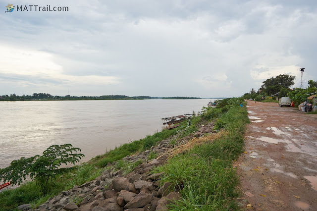 The Mekong river in Vientiane, on the other side is Thailand