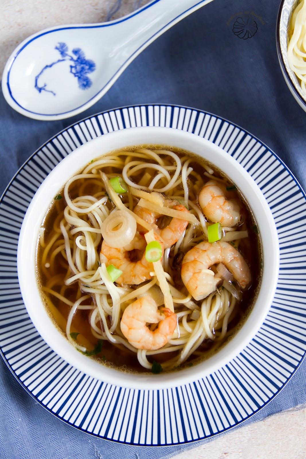 Chińska zupa z krewetkami.