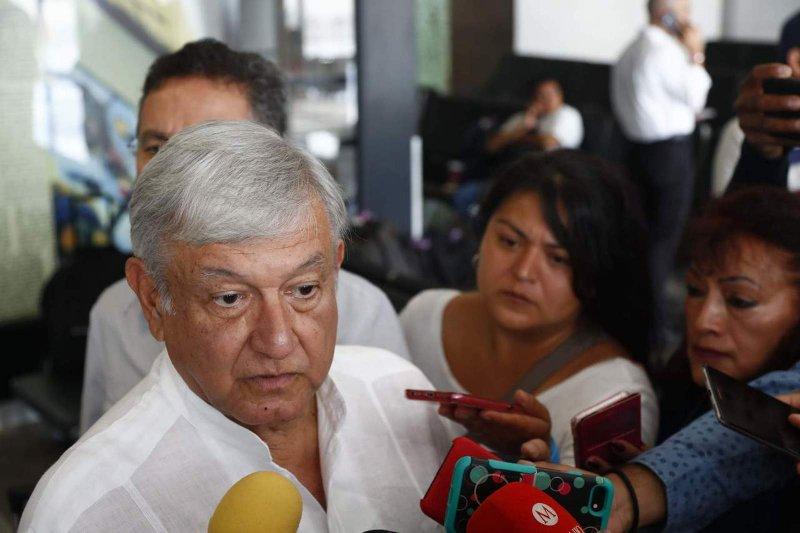 Calderón y su fraude electoral en 2006, la causa de los cadáveres en tráileres en Jalisco: AMLO.