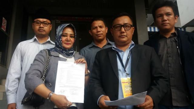 Pendukung Prabowo-Sandi Laporkan Farhat Abbas ke Polda Metro