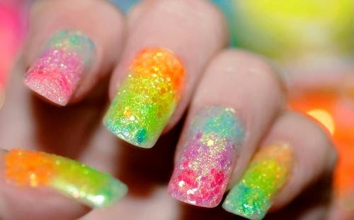 Uñas decoradas en arco-iris, decoración de uñas con varios colores, lindas y hermosas uñas - diseñosUñas decoradas en arco-iris, decoración de uñas con varios colores, lindas y hermosas uñas - diseños