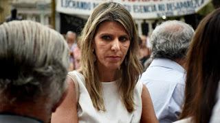 """La exfiscal -a la que el Gobierno le aceptó hoy la renuncia- dijo que al titular de la UFI-AMIA """"lo instigaron o lo indujeron al suicidio"""". """"Es una de mis hipótesis o la posibilidad a la que más me acerco"""", indicó Fein, que estuvo a cargo de la investigación de la muerte de Nisman.Arroyo Salgado recordó los estudios que hicieron los peritos del crimen en la escena de la muerte, el departamento en el que Nisman vivía en Puerto Madero. """"Entiendo que en el expediente no hay dudas de que Nisman fue víctima de un homicidio"""", dijo la jueza. """"Las muestras de la mano de Nisman indicaron que no tenía ningún tipo de rastro de pólvora y demostraron que él no disparó esa arma"""", le dijo la exesposa de Nisman a Radio Mitre."""