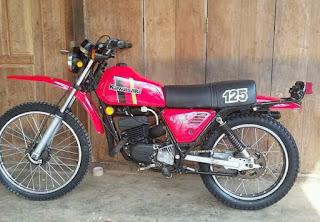 BURSA MOTOR TRAIL KLASIK : Bismillah...dijual.kawasaki KE125..