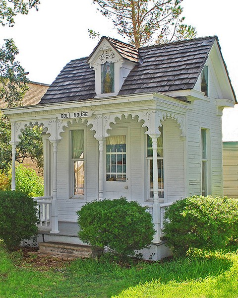 "Relaxshacks.com: The 1910 Dietz ""Dollhouse""....Tiny House"
