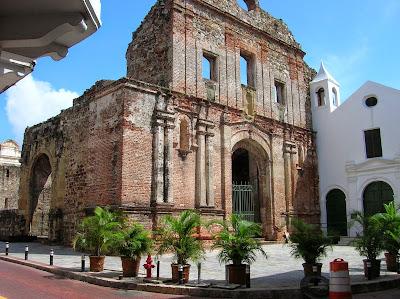 Convento Santo Domingo, Casco viejo, Panamá, round the world, La vuelta al mundo de Asun y Ricardo, mundoporlibre.com