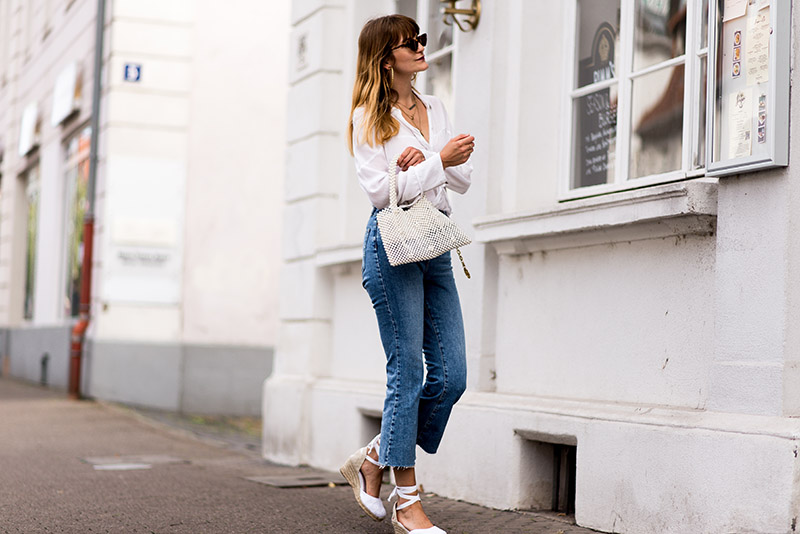 zara-outfit-fashionardenter-fall-outfits-in-Europe-weekend-attire-boho-blouse-mango-topshop-dree-kick-flare-jeans