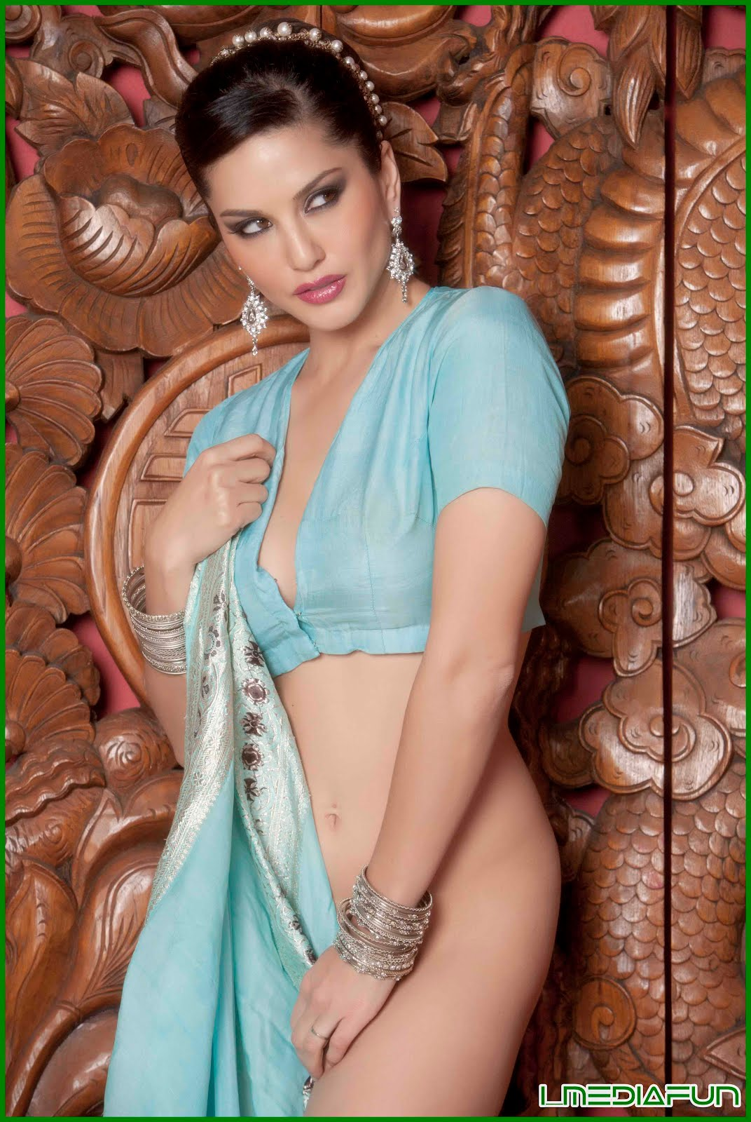 Sunny Leones Bollywood Photoshoot In Blue Saree - Actress