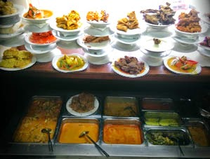 Masakan Padang, makanan khas Sumatra Barat