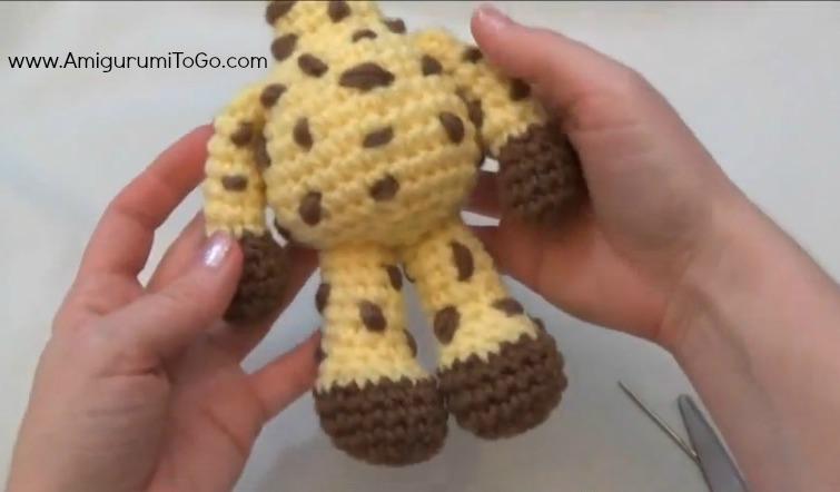 montaje jirafa amigurumi 1