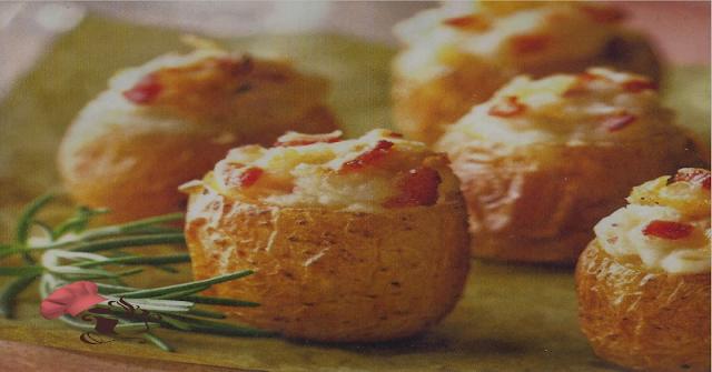 Patatitas rellenas de queso y beicon