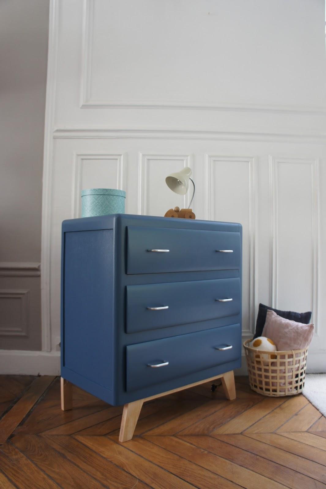 atelier petit toit la commode pieds compas de cl mence. Black Bedroom Furniture Sets. Home Design Ideas