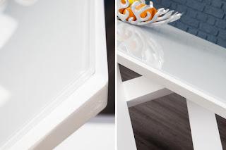 Jedálenský stôl v bielej farbe Reaction.