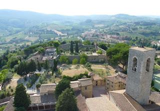 La Rocca vista desde lo alto de la Torre Rognosa.