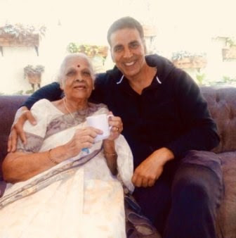 akshay-kumar-shares-picture-with-marathi-teacher