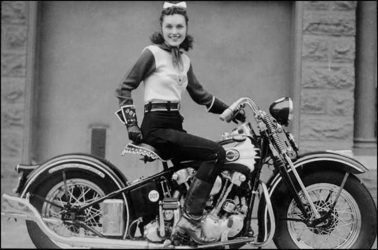 mulheres e motos
