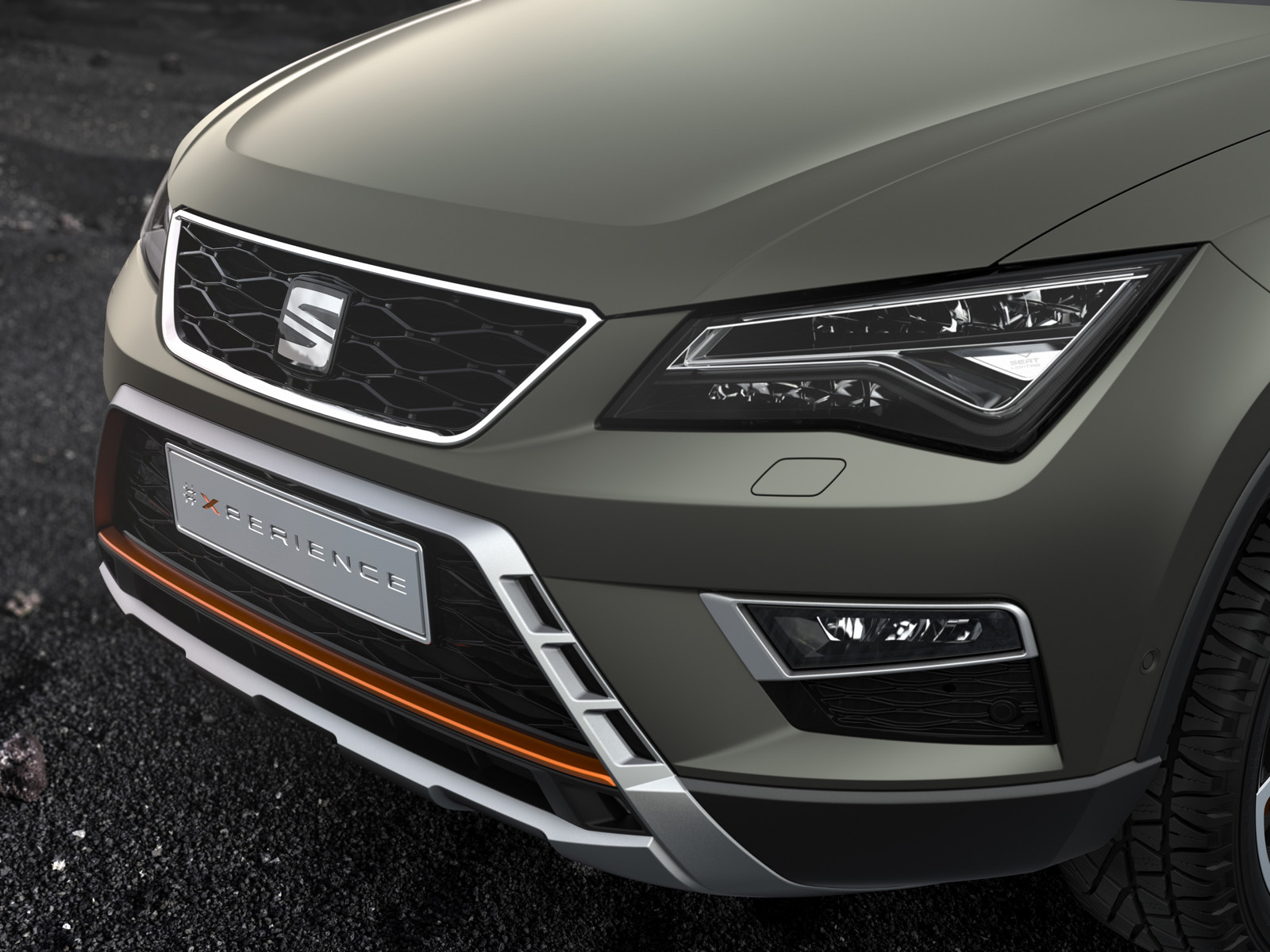 seat beefs up new ateca x perience for paris debut carscoops. Black Bedroom Furniture Sets. Home Design Ideas