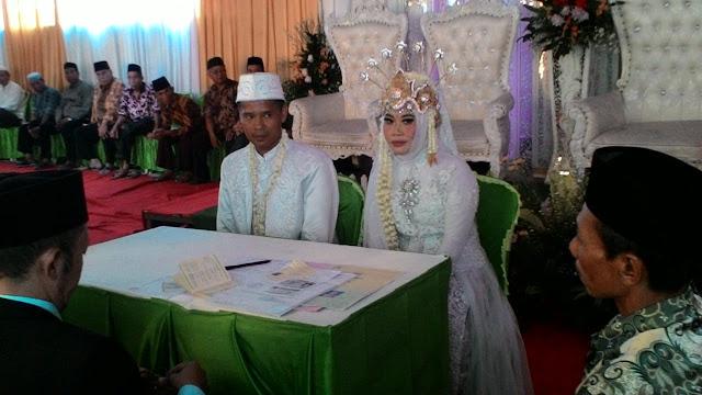 Pernikahan Ibu Icem, Guru Kimia SMAN 110