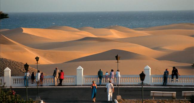 Enterraba en las dunas de maspalomas lo que hab a robado violentamente en playa del ingl s - Gran canaria tv com ...