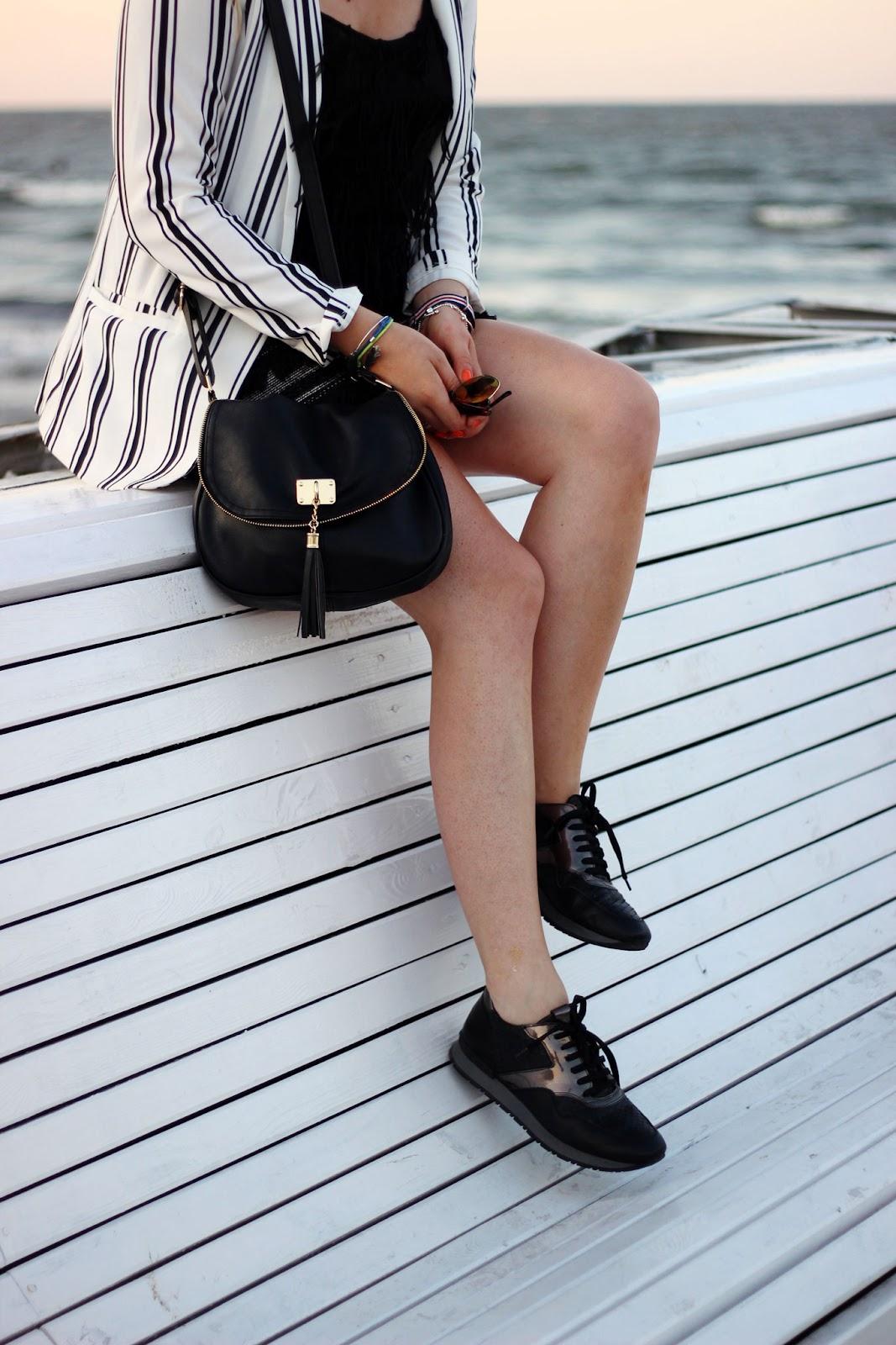blazer, maritim, streifen, schwarze sneakers, molo, mole, polen, Sopot, Zoppot,