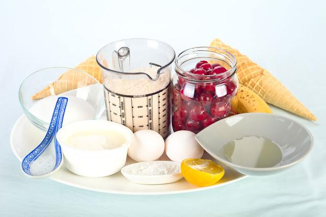 Zutaten für Kirschkuchen. Edyta Guhl.