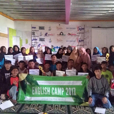 English Camp di Taman Bahagia Bersama KOMPEGA
