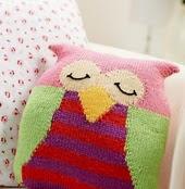 http://www.letsknit.co.uk/free-knitting-patterns/ossie-the-owl