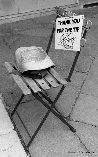 chair bw