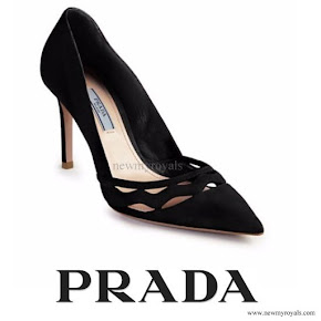 Kate Middleton wore Prada Wavy-Cut Suede Nero Pumps