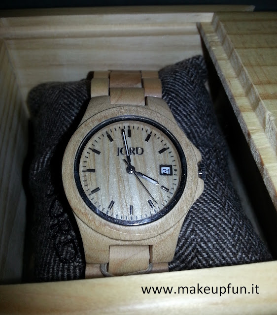women wood watch accessory