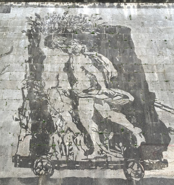 Triumphs and Laments Roma
