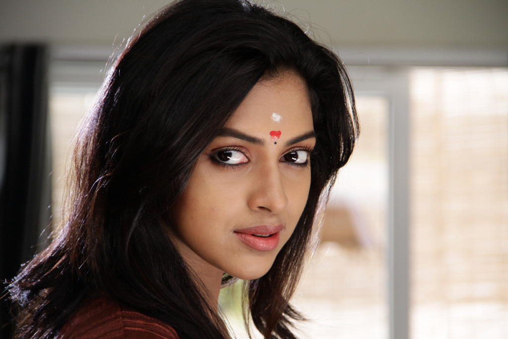 Hot Images: South Indian Film Actress Amala Paul Hot Photos ...