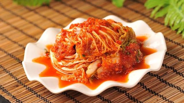 Kuliner korea berbahan kubis dan cabai yang sangat pedas