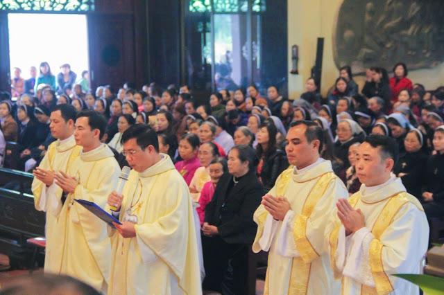 Lễ truyền chức Phó tế và Linh mục tại Giáo phận Lạng Sơn Cao Bằng 27.12.2017 - Ảnh minh hoạ 180