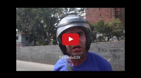 Motorizado chaburro se cae en plena entrevista