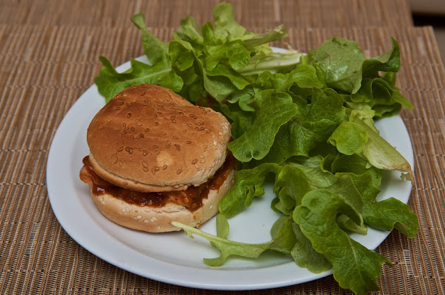 Currwurst Burger - Hamburger - Burger home-made - sandwich - recipe - recette - cuisine - cooking