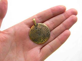купить бронзовые ювелирные изделия медальоны подарок парню девушке