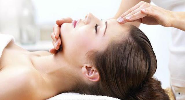 essential-oils-for-face फेशियल एसेंशियल ऑयल्स