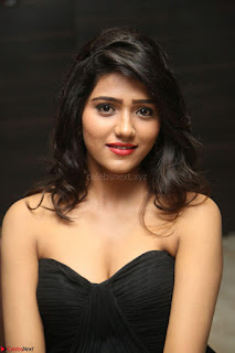 Shalu Chourasiya in spicy Sleeveless Strapless Black Top at O Pilla Nee Valla Movie Audio Launch Feb 2017 018.JPG