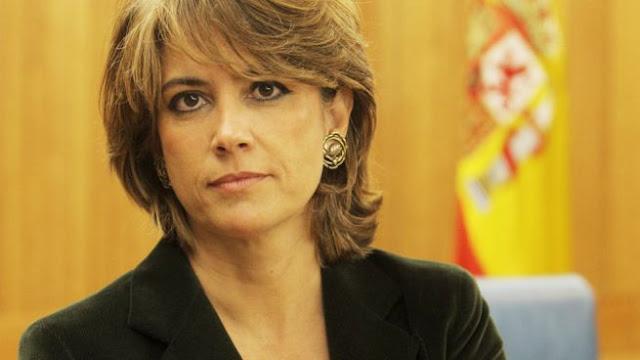 """El Congreso aprueba exigir el """"cese inmediato"""" de la ministra Delgado"""