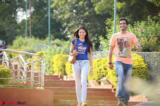 Rukshar Mir romancing Ashish Raj in Aakatayi 12.jpg
