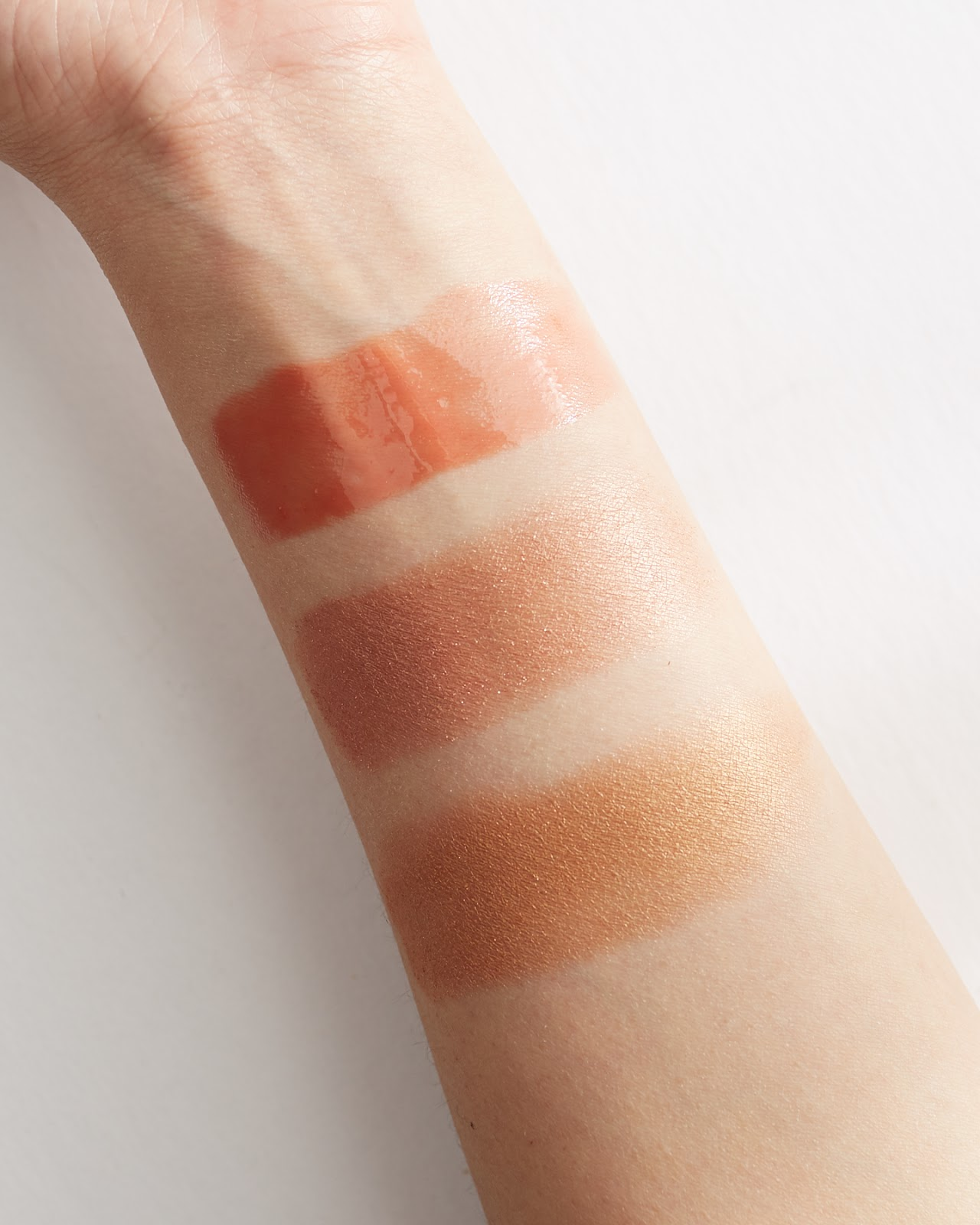 HAN Skin Care Cosmetics Eyeshadow and Lip Gloss Swatches Golden Glow Romance Peachy Nude all natural organic fruit dyed nontoxic beauty hellolindasau