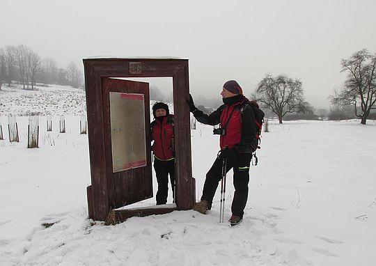 Drzwi do nieistniejącej wsi Nieznajowa.