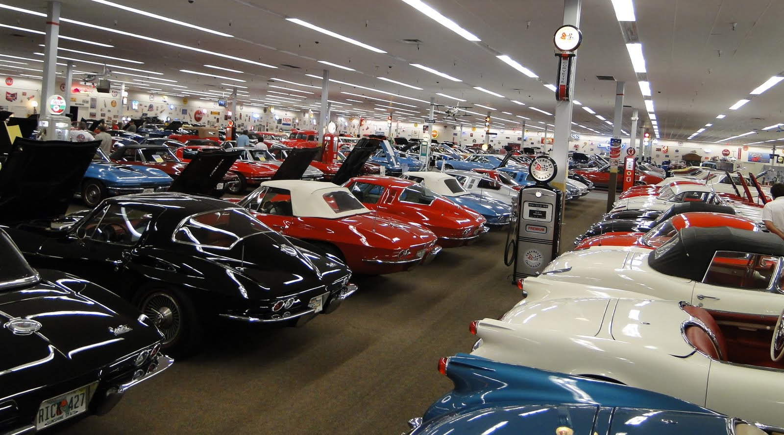 Walk On The Wild Side Corvette Club Travels To Muscle Car City