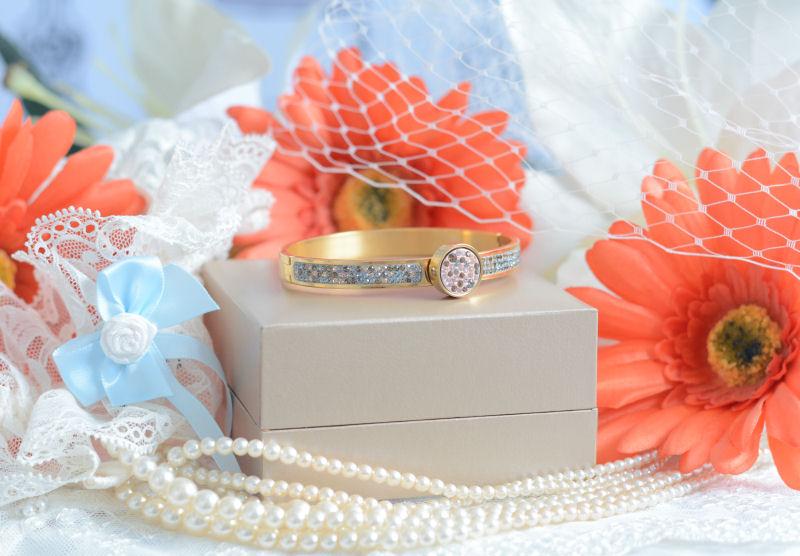 Wedding Wednesday! Bridal Jewellery - Mi Moneda Style with Fraser Hart
