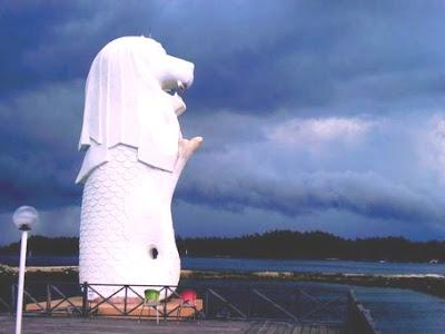 Patung Merlion di Bontang.